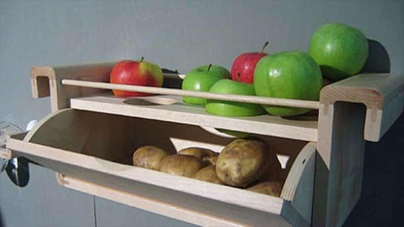 Чи можна зберігати яблука та картоплю в одному льосі чому може бути не можна тримати разом з морква