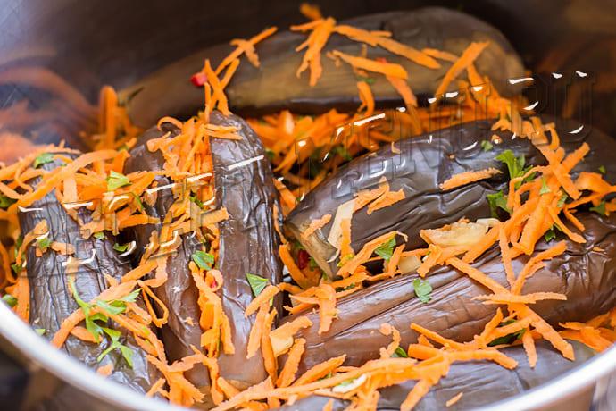 Квашені баклажани, фаршировані морквою і часником рецепт з фото і відео кулінарний блог олени кр
