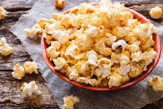Чи можна готувати попкорн в духовці