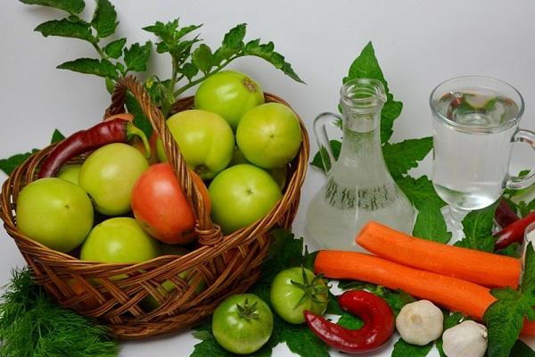 Зелені помідори на зиму - 12 смачних рецептів заготовок зелених помідор